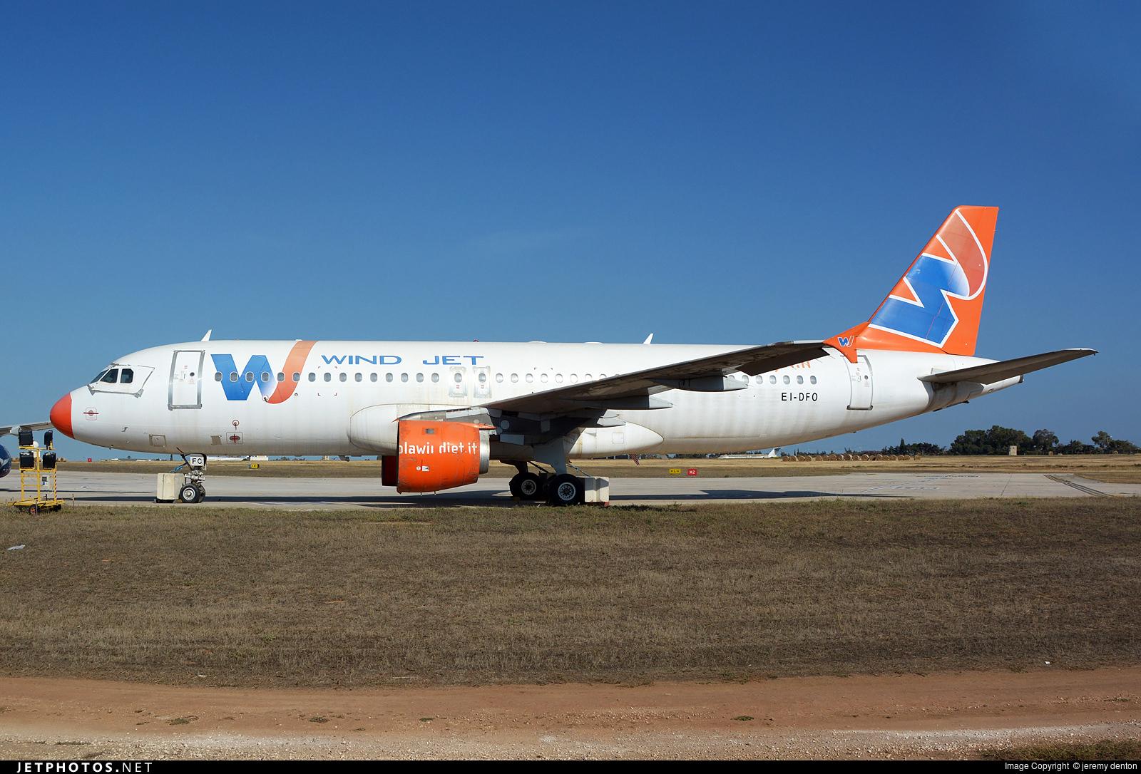 EI-DFO | Airbus A320-211 | Wind Jet | jeremy denton | JetPhotos