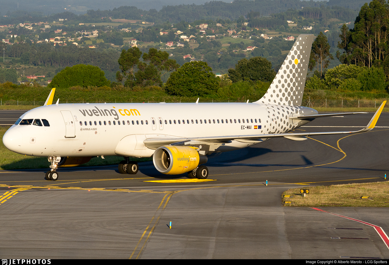 EC-MAI - Airbus A320-214 - Vueling