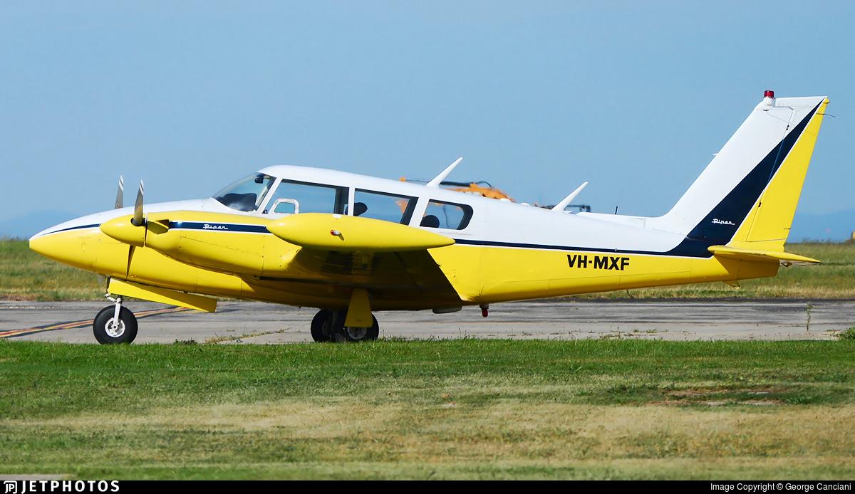 VH-MXF - Piper PA-30-160 Twin Comanche C - Private