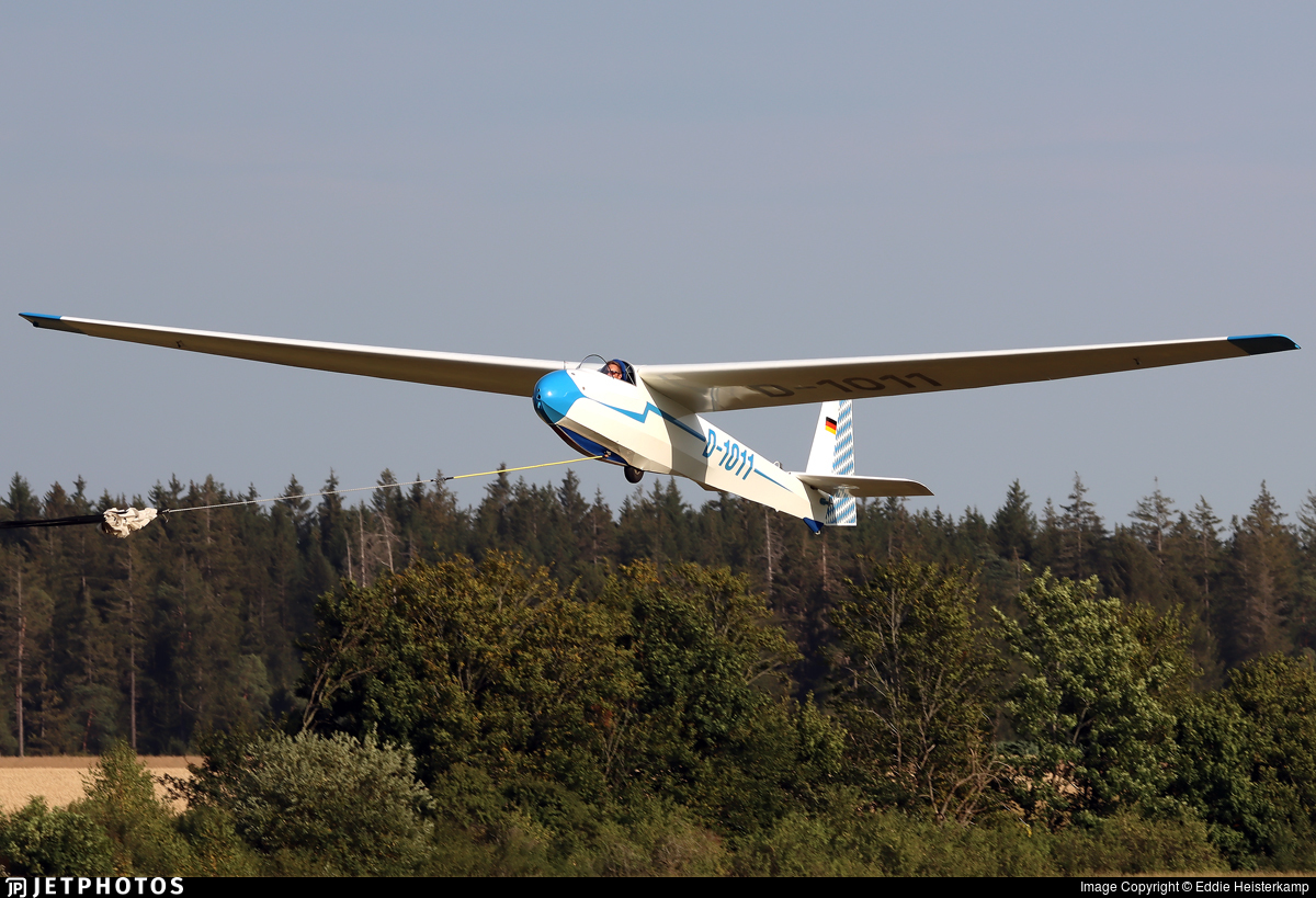 D-1011 - Schleicher KA-8B - Private