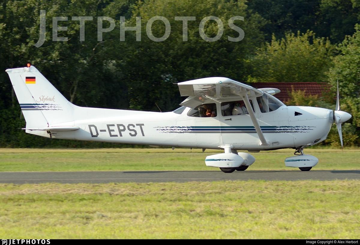 D-EPST - Cessna 172R Skyhawk - Private