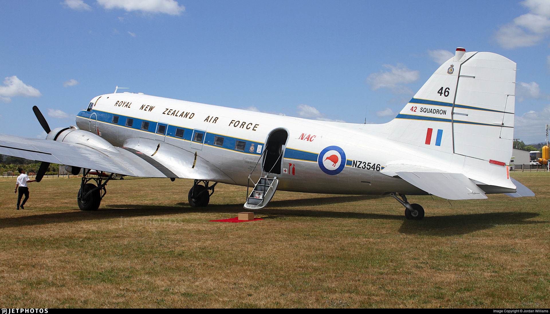 ZK-DAK - Douglas DC-3C - Flight 2000