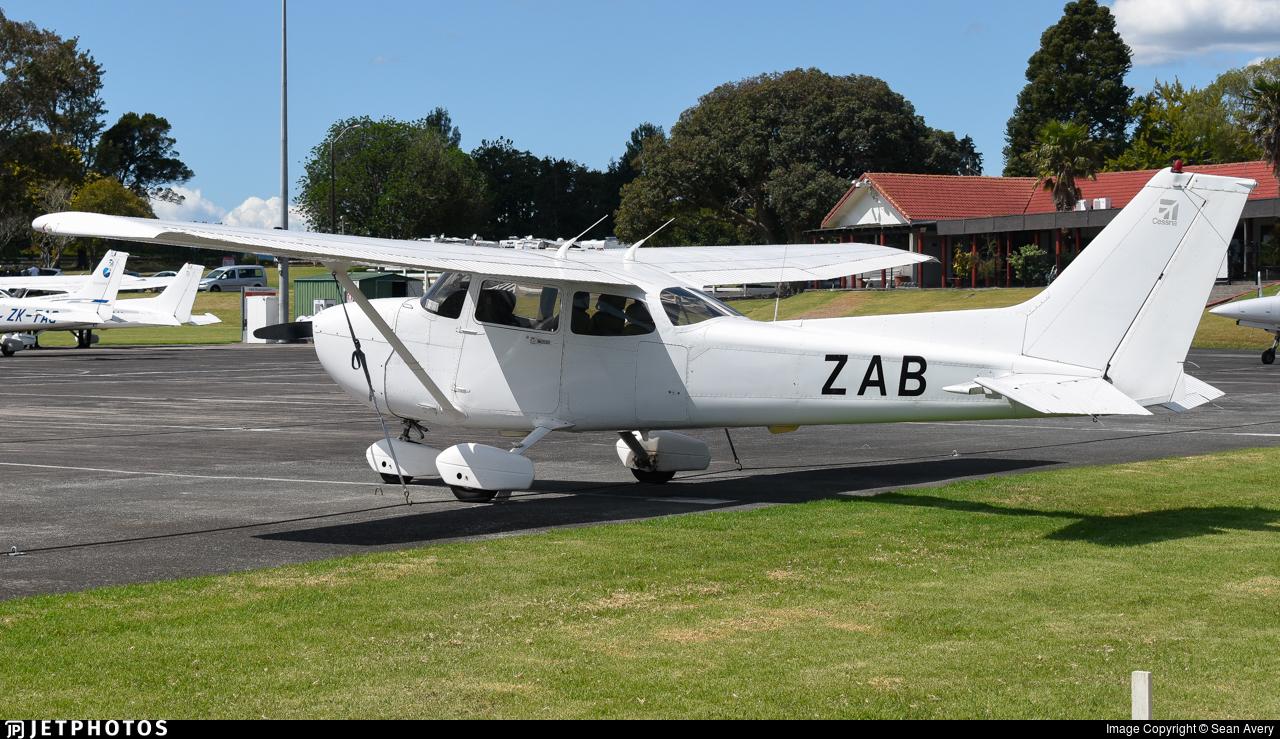 ZK-ZAB - Cessna 172S Skyhawk SP - Ardmore Flying School