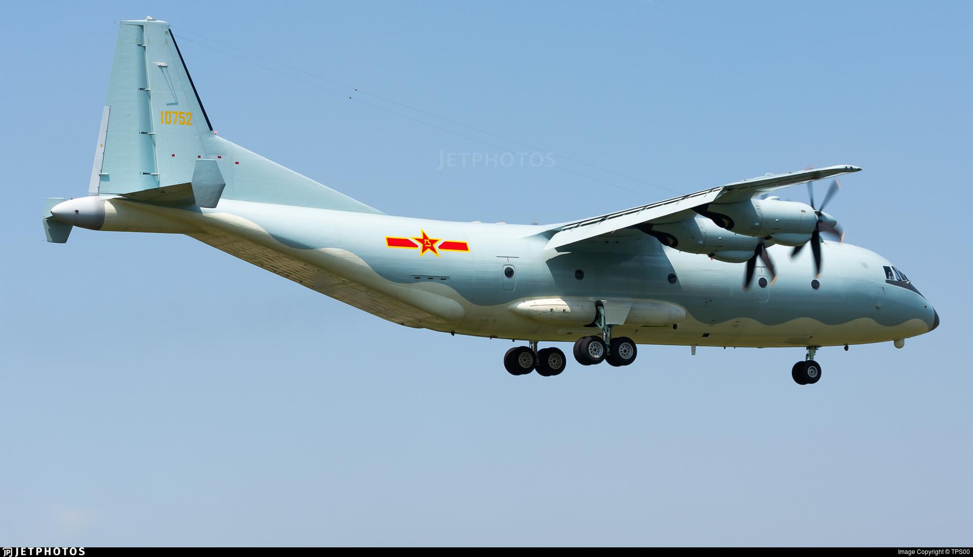 10752 - Shaanxi Y-9 - China - Air Force