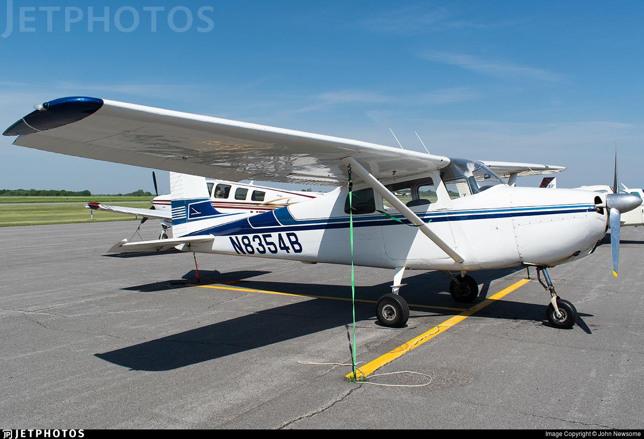N8354B - Cessna 172 Skyhawk - Private