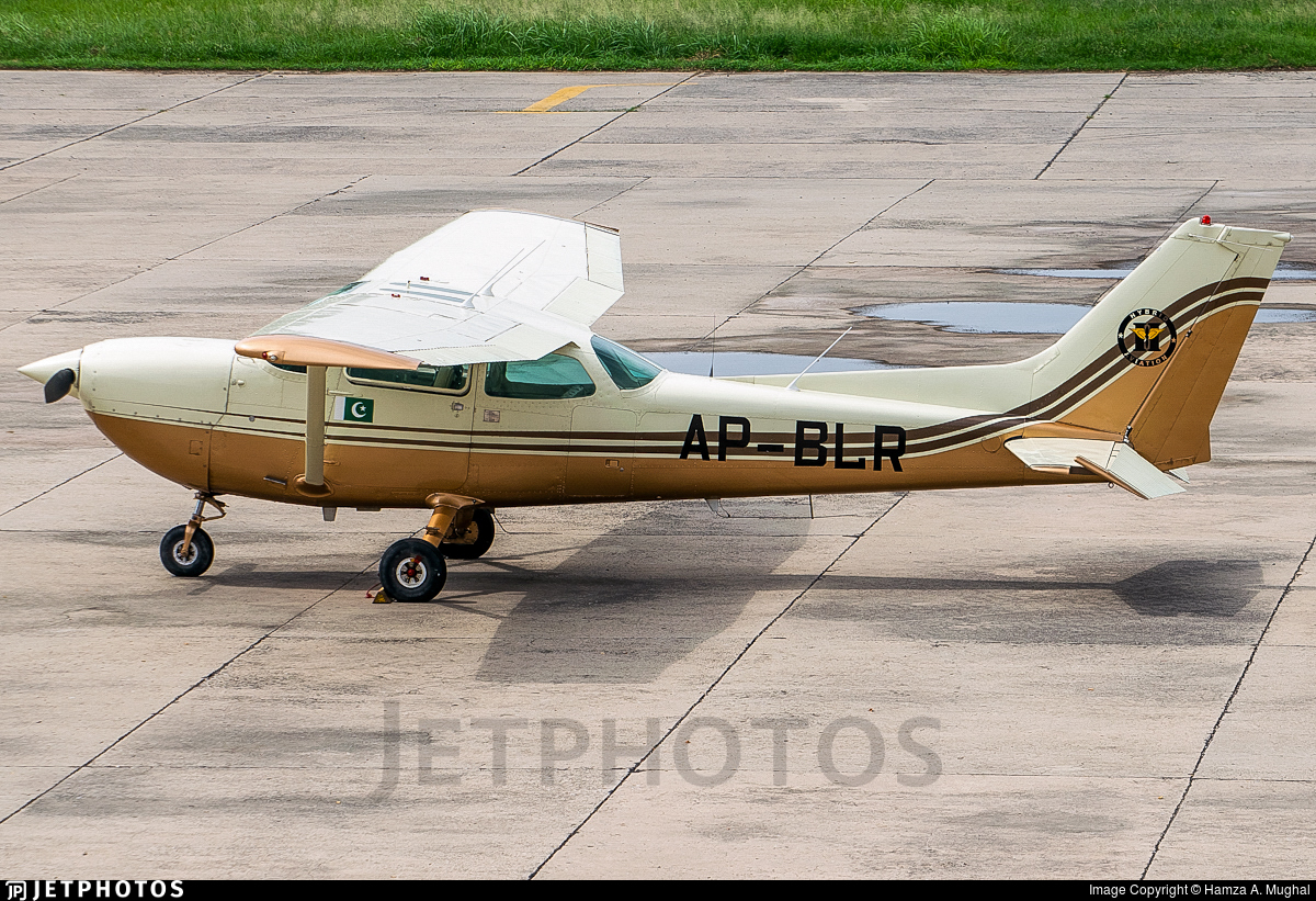 cessna 172 serial number list