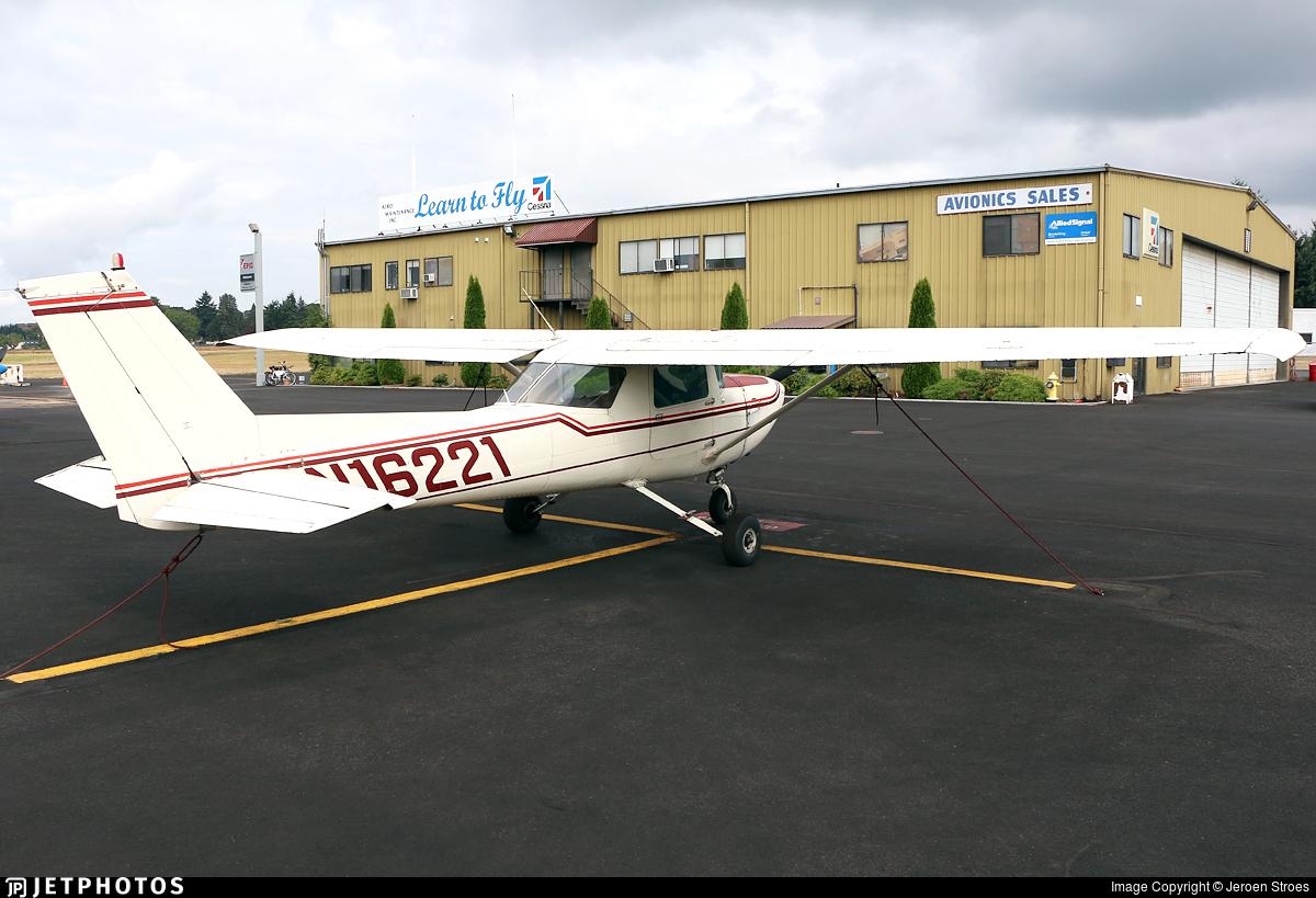 N16221 - Cessna 150L - Private