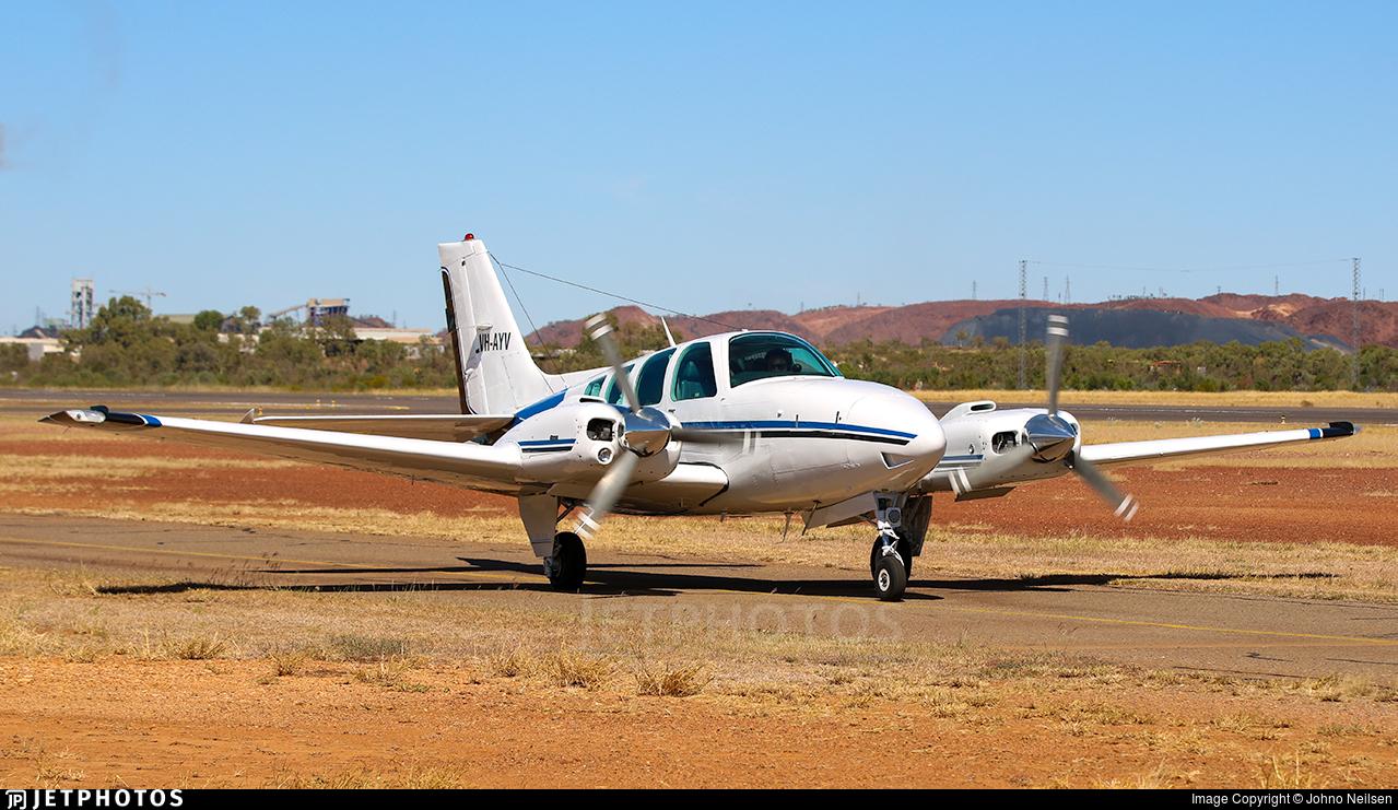 VH-AYV - Beechcraft 58 Baron - Private