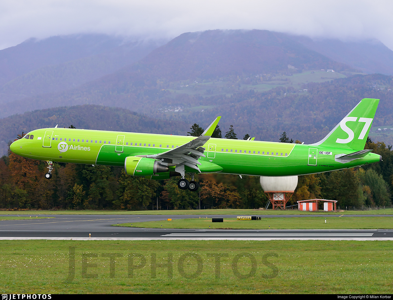 OE-IOF - Airbus A321-211 - S7 Airlines