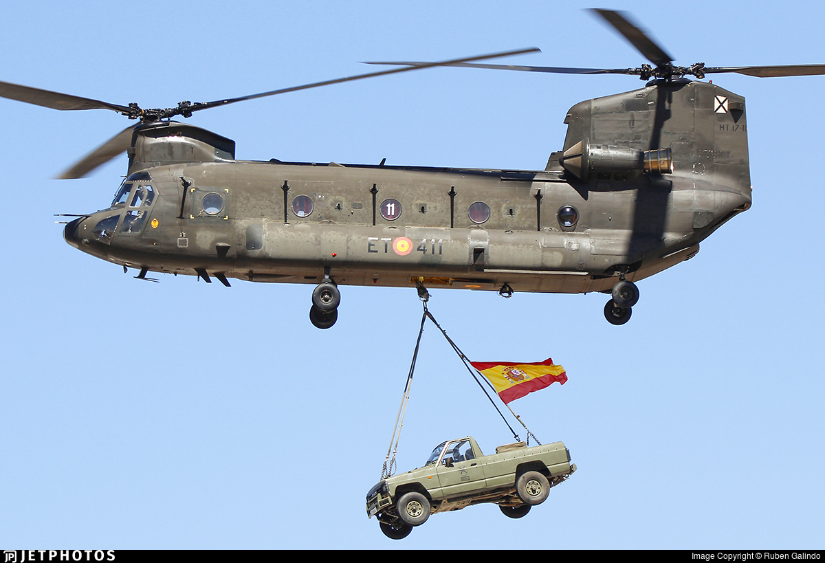HT.17-11 - Boeing CH-47D Chinook - Spain - Army