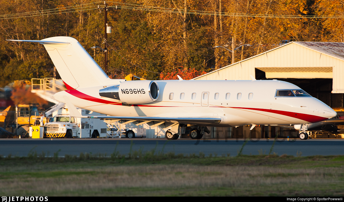 N696HS - Bombardier CL-600-2B16 Challenger 605 - Private