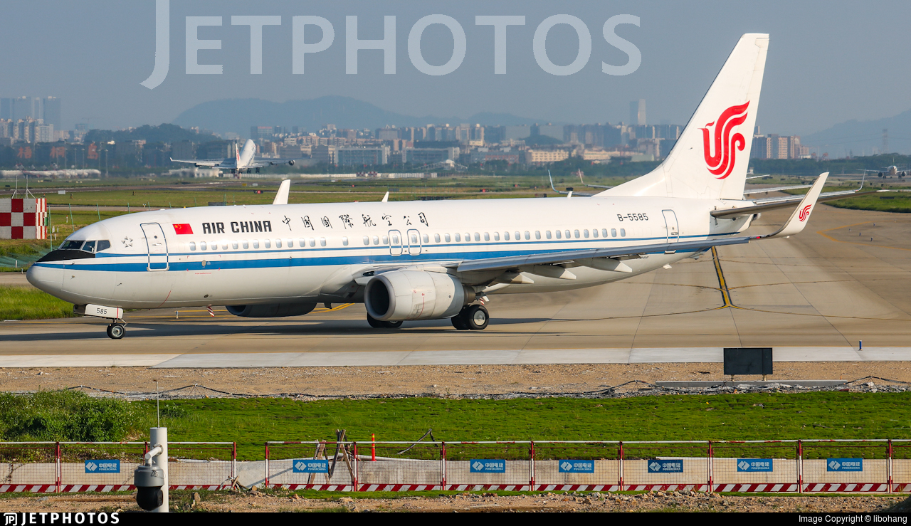 B-5585 - Boeing 737-89L - Air China