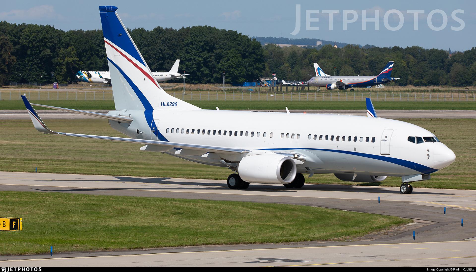 HL8290 - Boeing 737-7GE(BBJ) - Hyundai