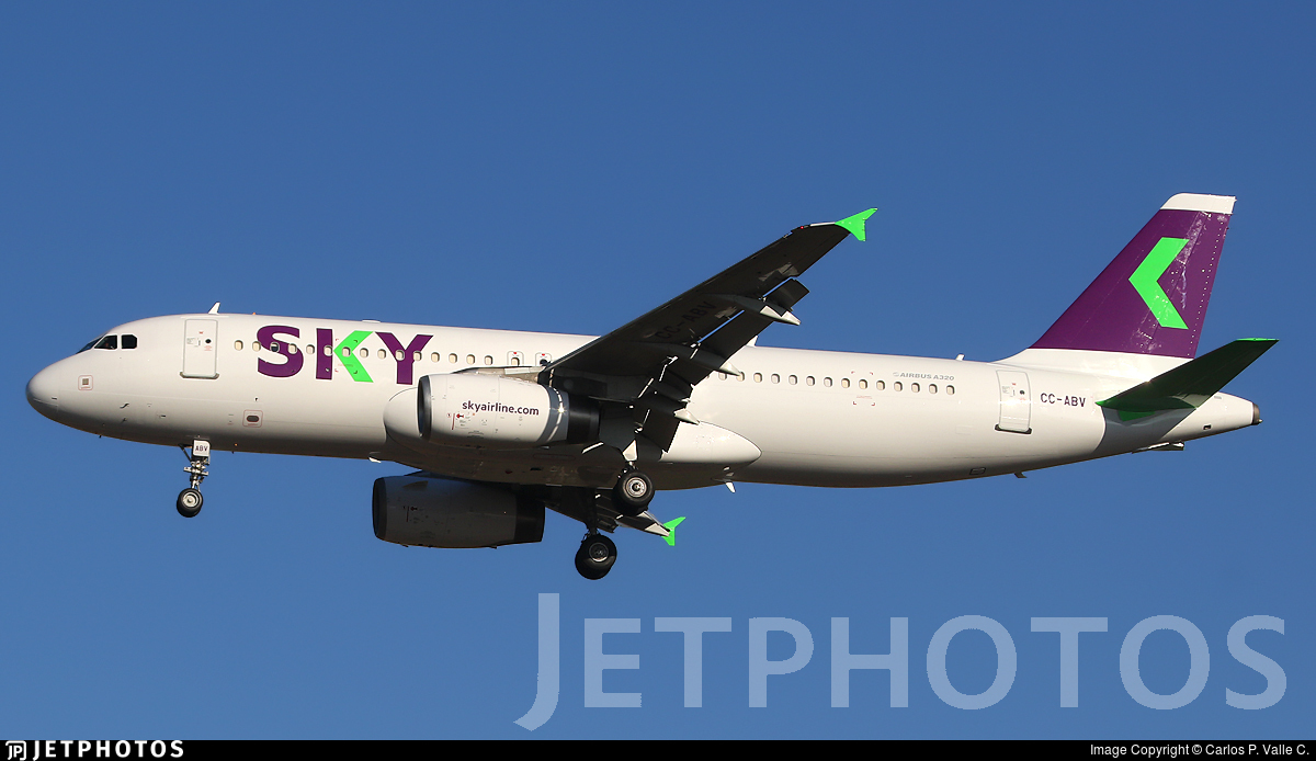 CC-ABV - Airbus A320-233 - Sky Airline