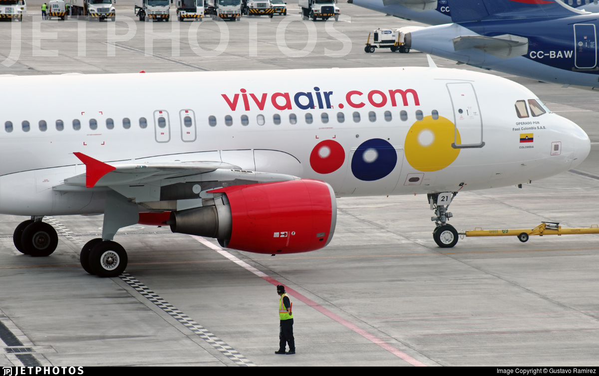 HK-5221 - Airbus A320-214 - VivaColombia