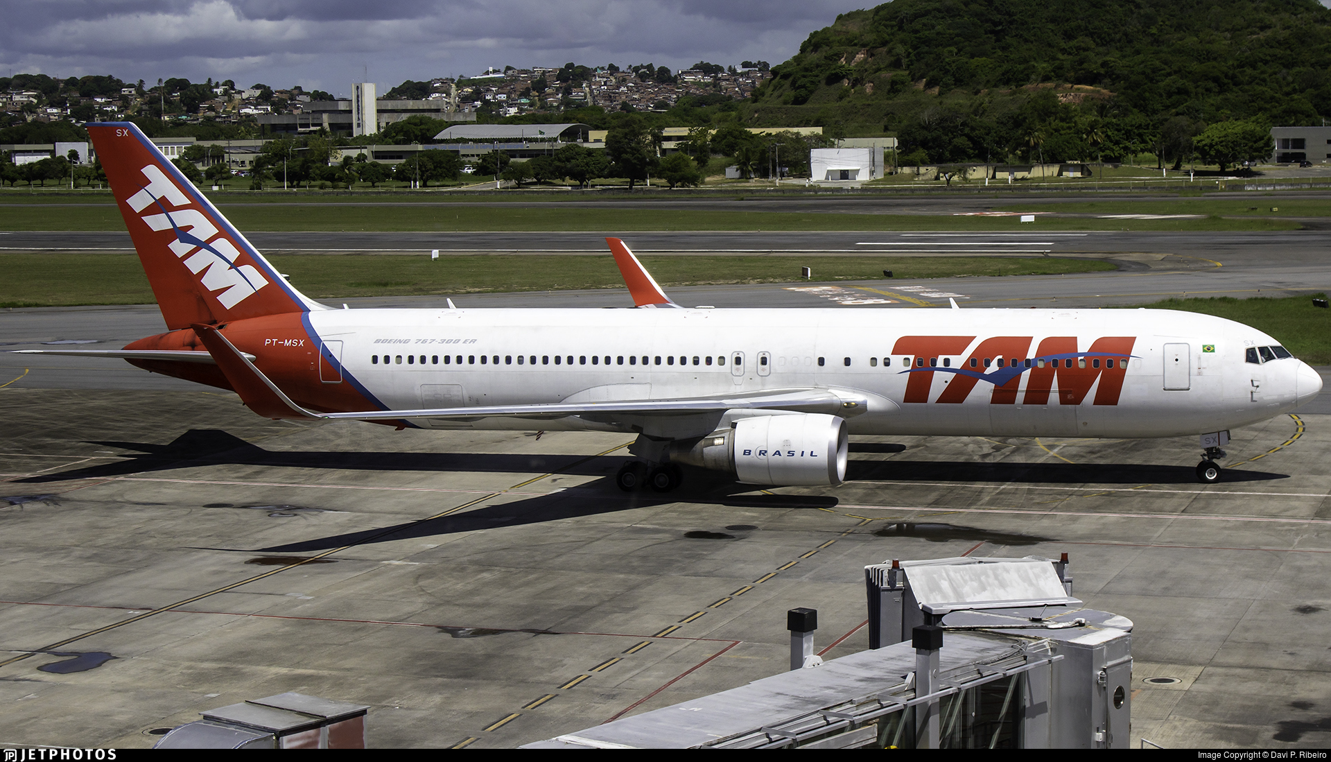PT-MSX - Boeing 767-316(ER) - TAM Linhas Aéreas