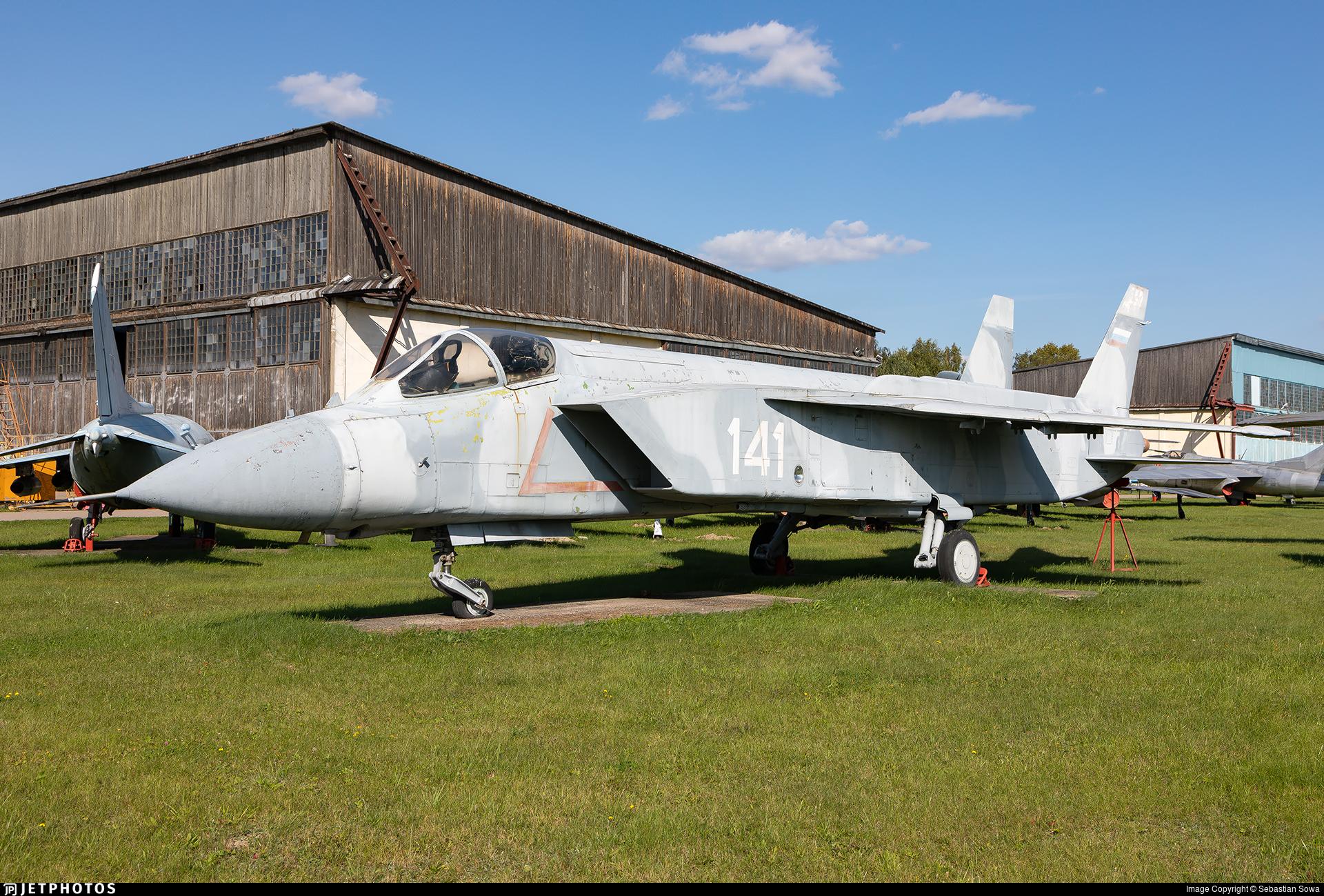 141 - Yakovlev Yak-141 Freestyle - Russia - Navy