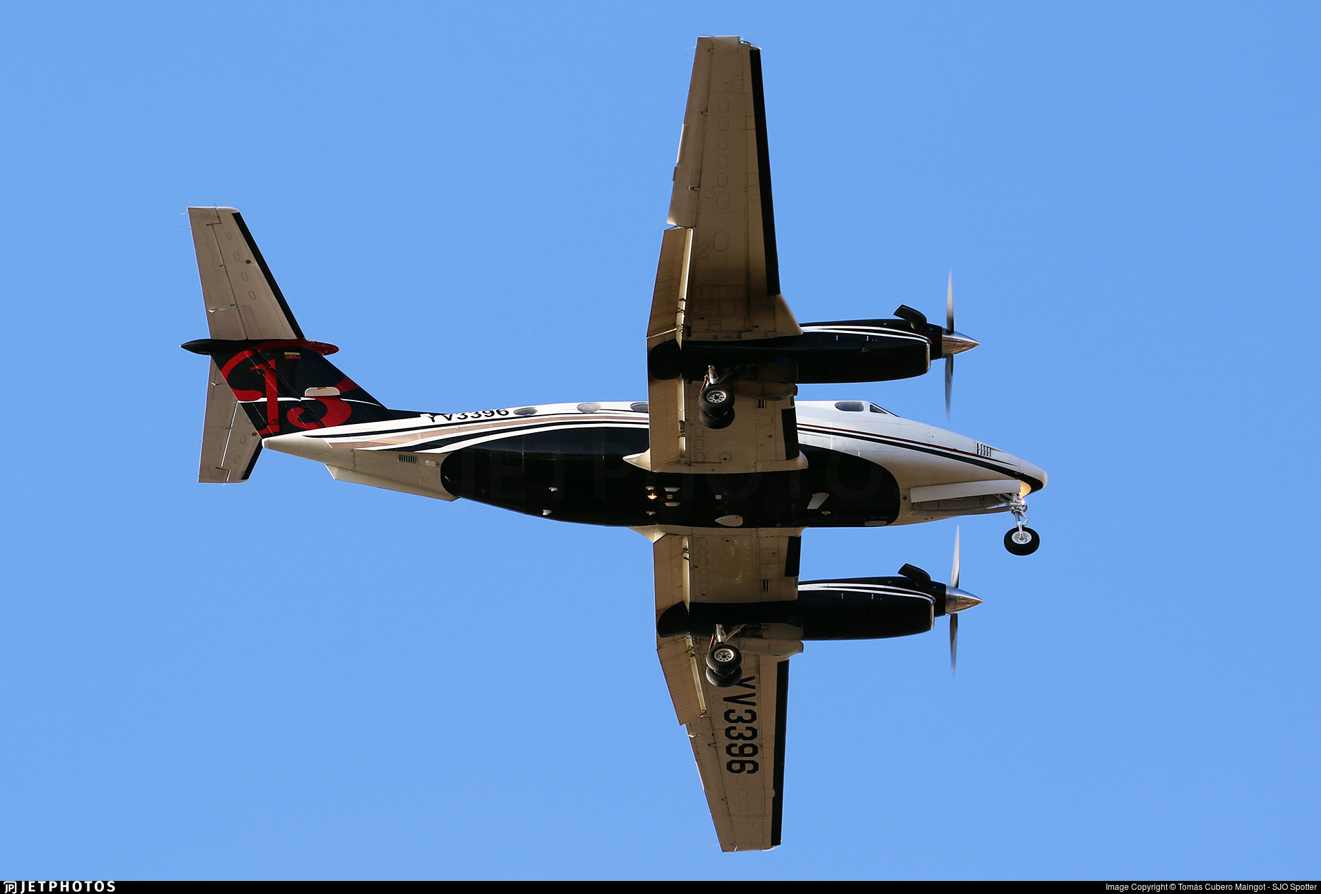 YV3396 - Beechcraft 200 Super King Air - Private