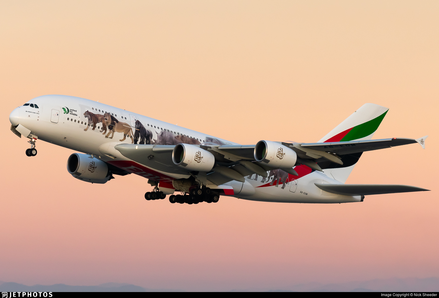 A6-EOM - Airbus A380-861 - Emirates