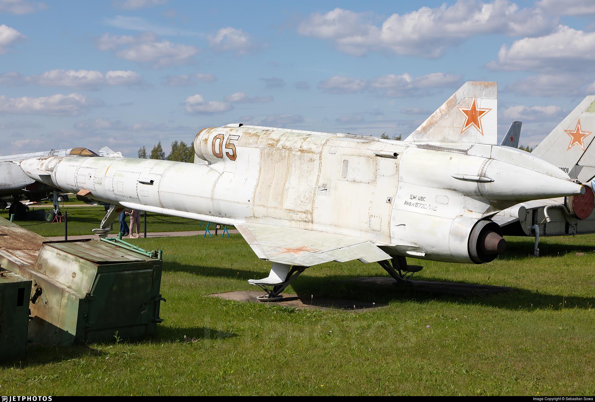 05 - Tupolev Tu-141 Strizh - Soviet Union - Air Force