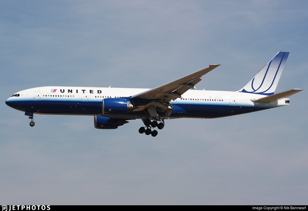 N776UA - Boeing 777-222 - United Airlines
