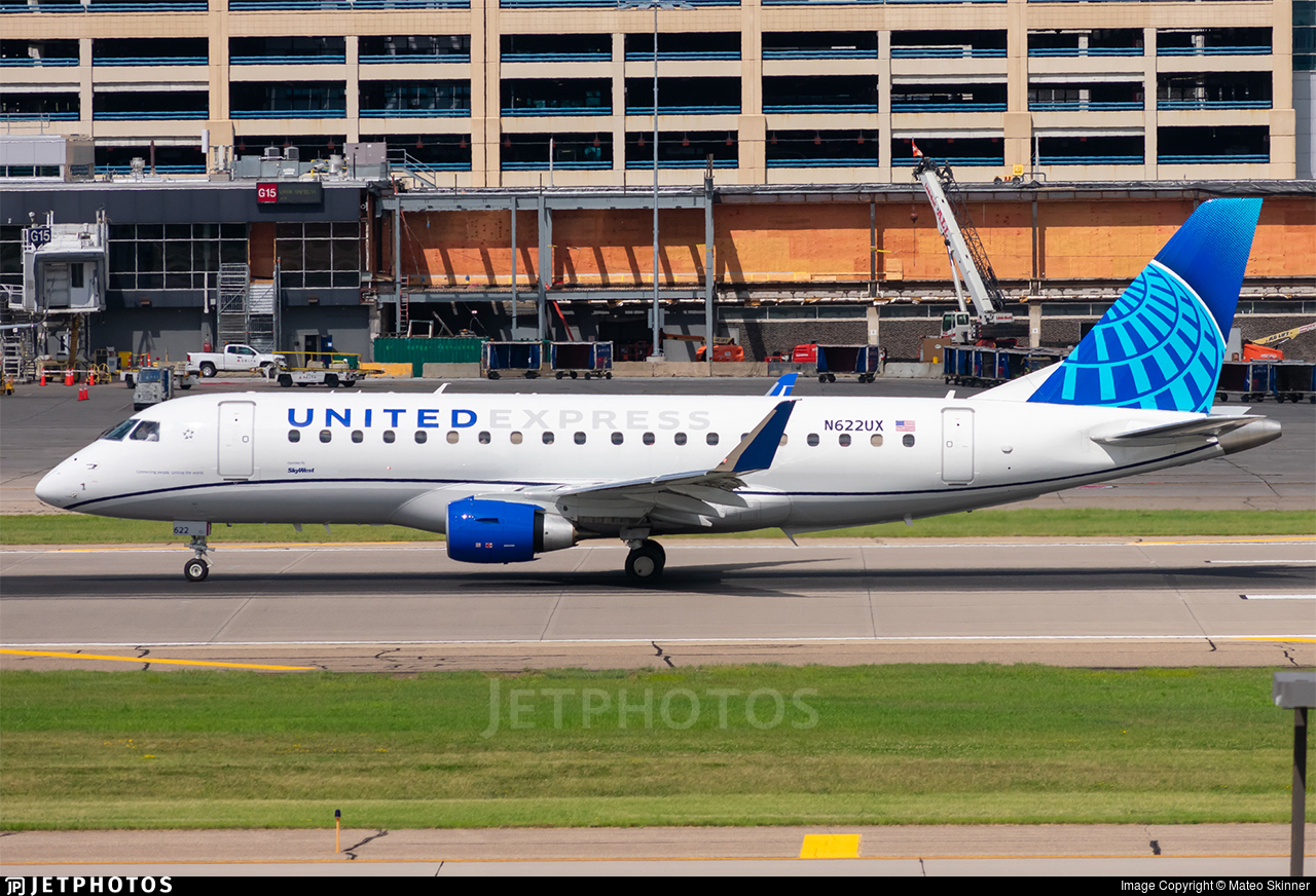 N622UX  - Embraer 170-200LL - United Express (SkyWest Airlines)