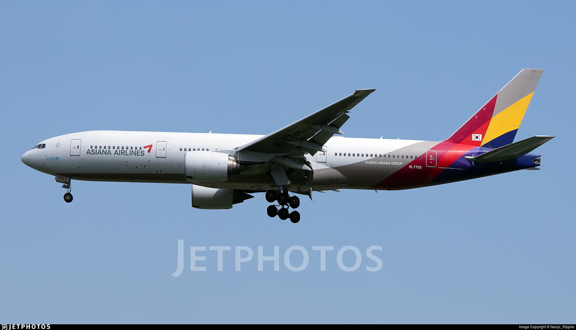 HL7755 - Boeing 777-28E(ER) - Asiana Airlines