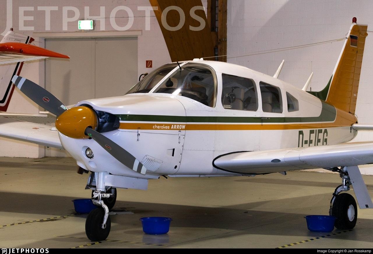 D-EIFG - Piper PA-28R-200 Cherokee Arrow - Private