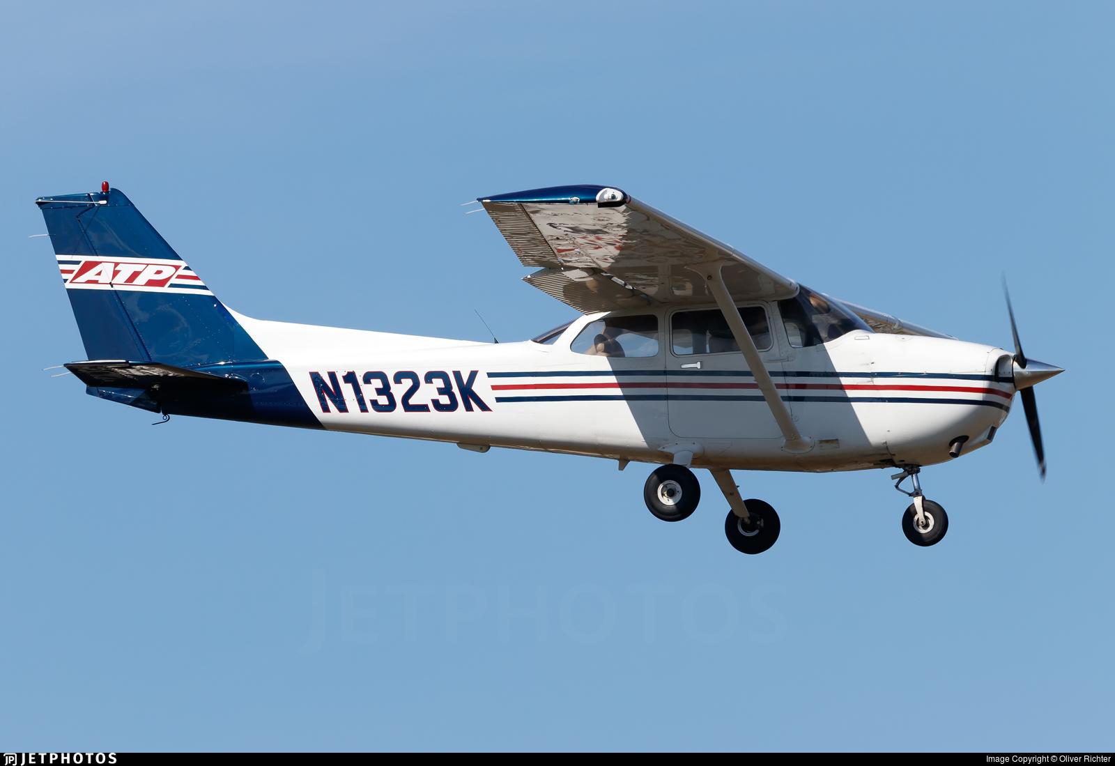 N1323K | Cessna 172S Skyhawk SP | ATP Flight School | Oliver