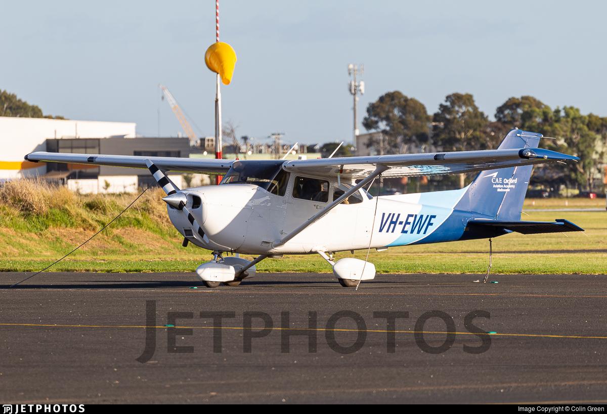 VH-EWF - Cessna 172S Skyhawk SP - Oxford Aviation Academy (Australia)