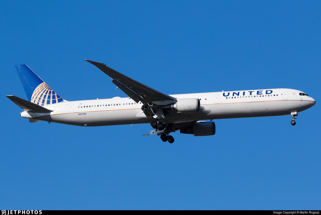 N67058 - Boeing 767-424(ER) - United Airlines