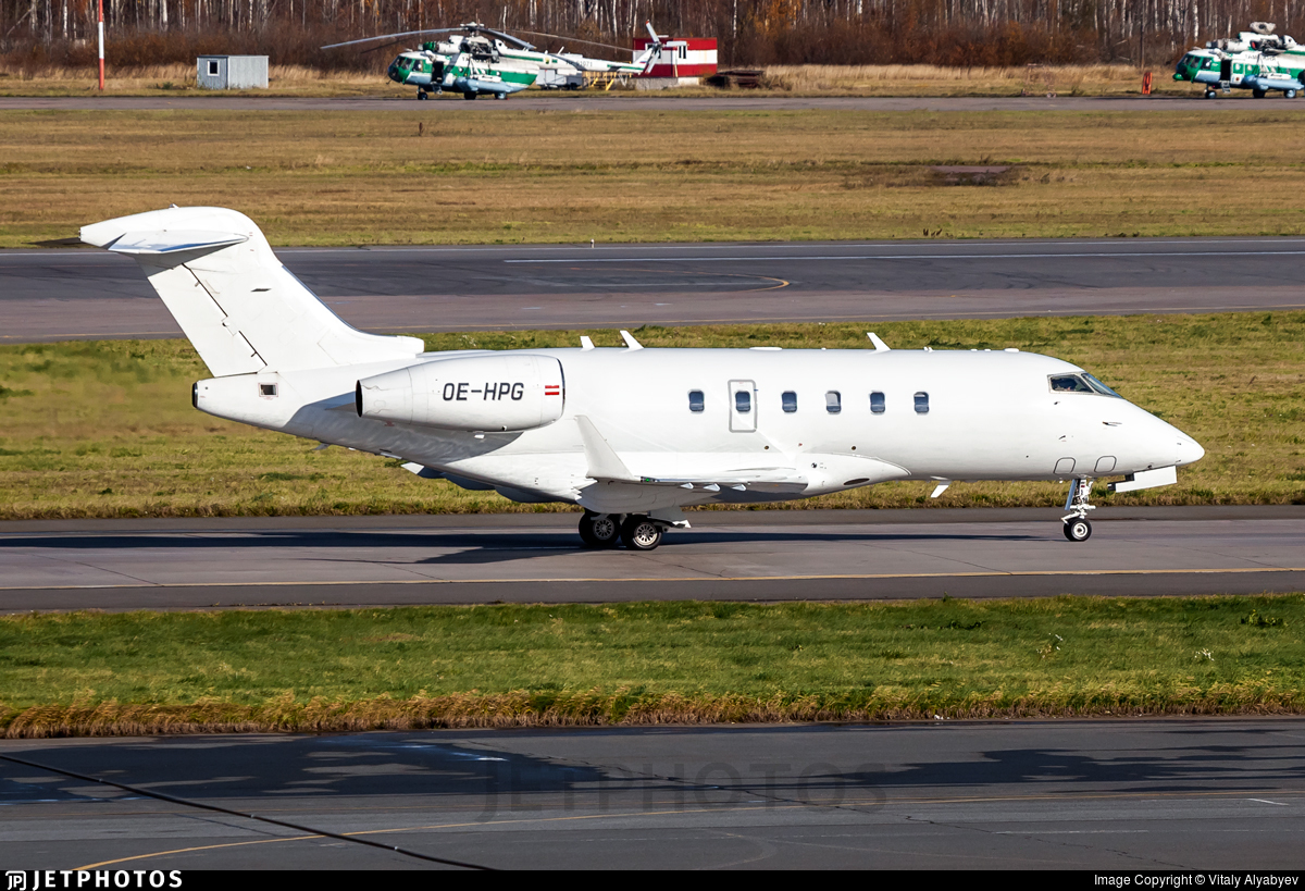 OE-HPG - Bombardier BD-100-1A10 Challenger 300 - LaudaMotion Executive