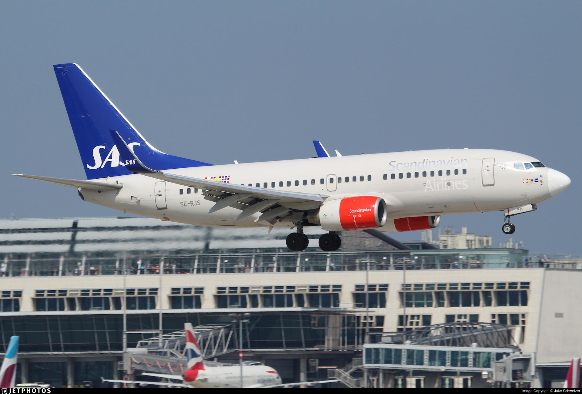 SE-RJS - Boeing 737-76N - Scandinavian Airlines (SAS)