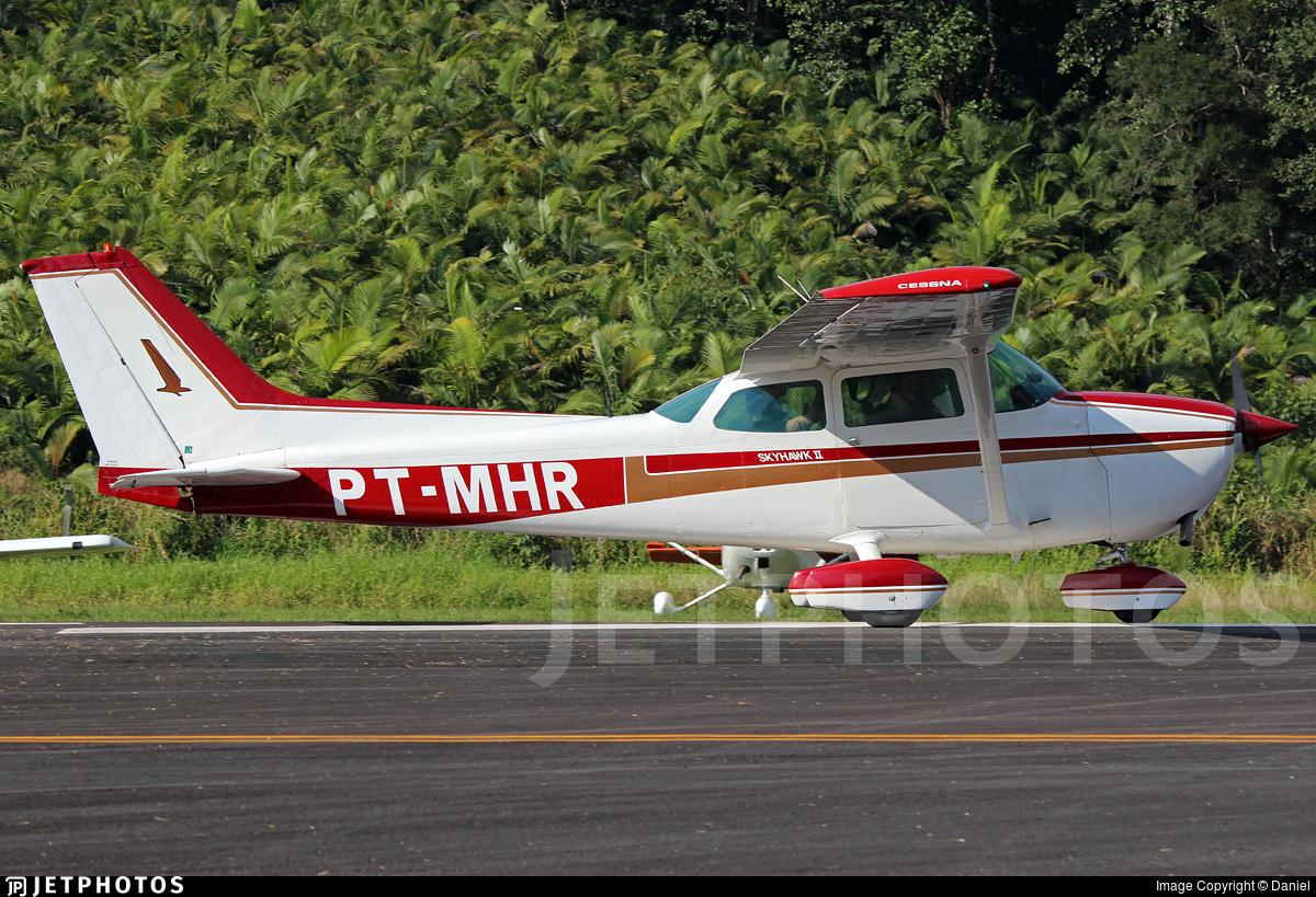 PT-MHR - Cessna 172M Skyhawk II - Aeroclube de Blumenau