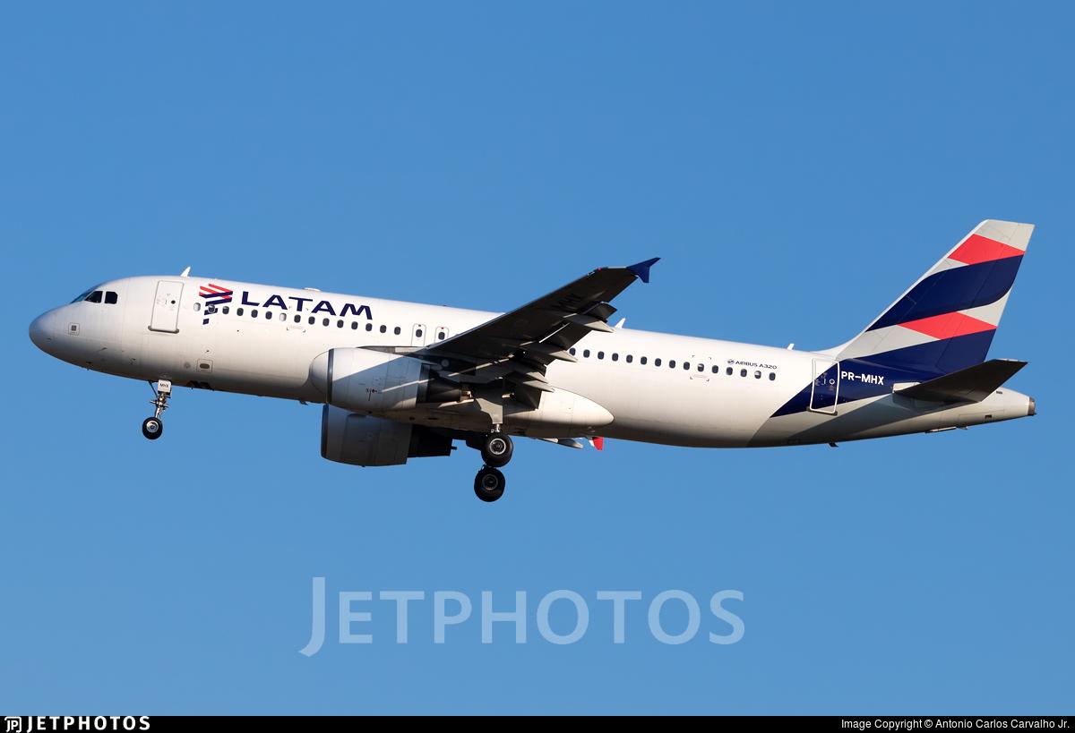 PR-MHX - Airbus A320-214 - LATAM Airlines