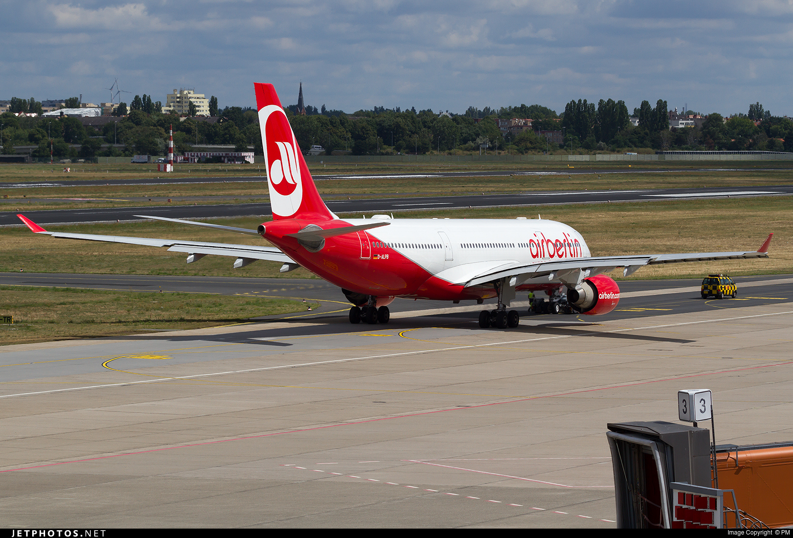 D-ALPB - Airbus A330-223 - Air Berlin