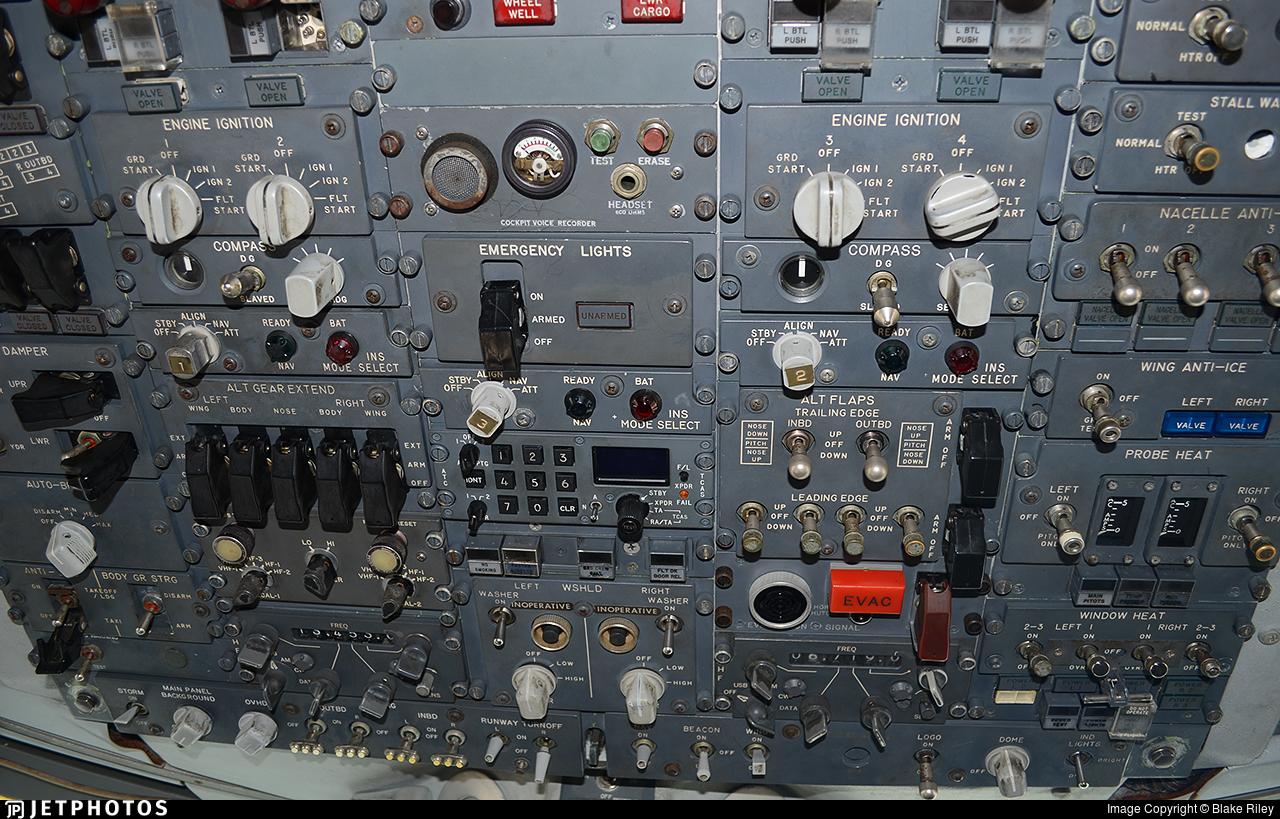 G-AWNG - Boeing 747-136 - British Airways