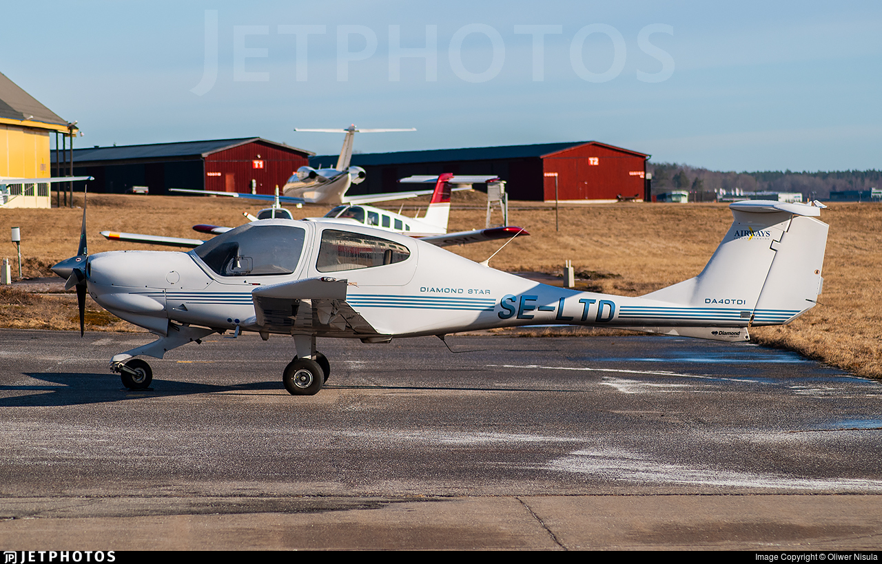 SE-LTD - Diamond DA-40 Diamond Star - Airways Flygutbildning