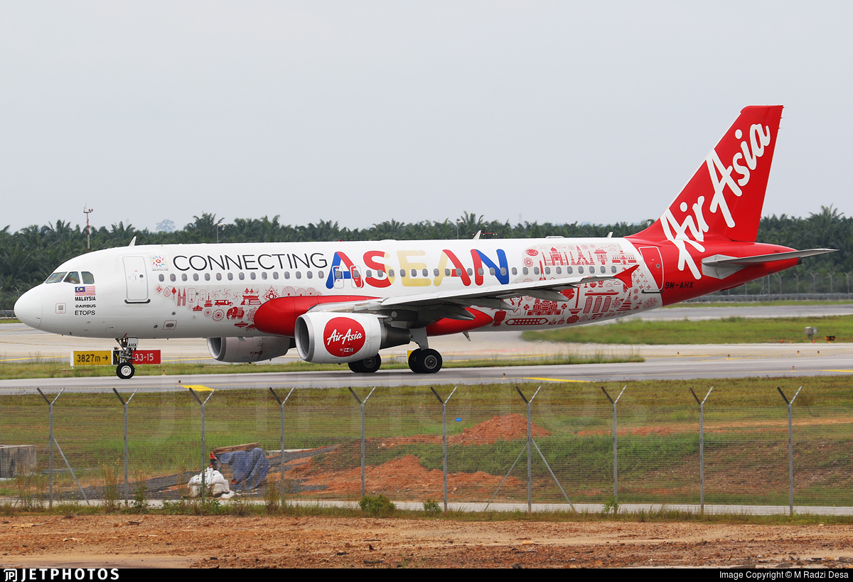 9M-AHX - Airbus A320-216 - AirAsia