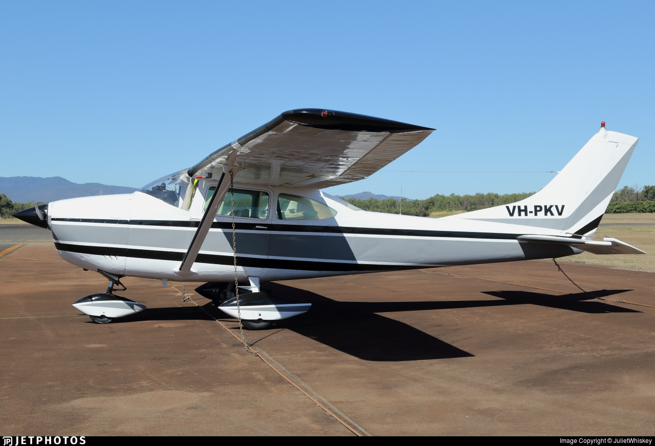 VH-PKV - Cessna 182H Skylane - Private