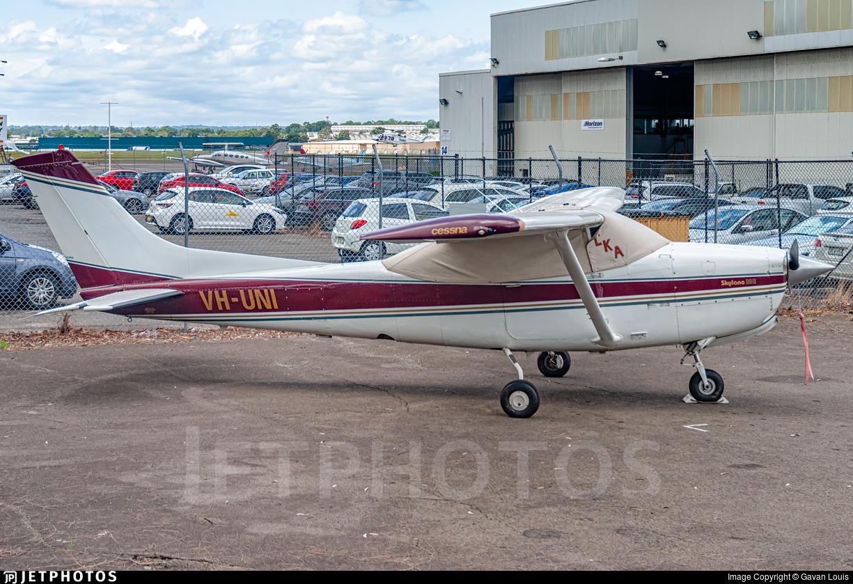 VH-UNI - Cessna R182 Skylane RG II - Private