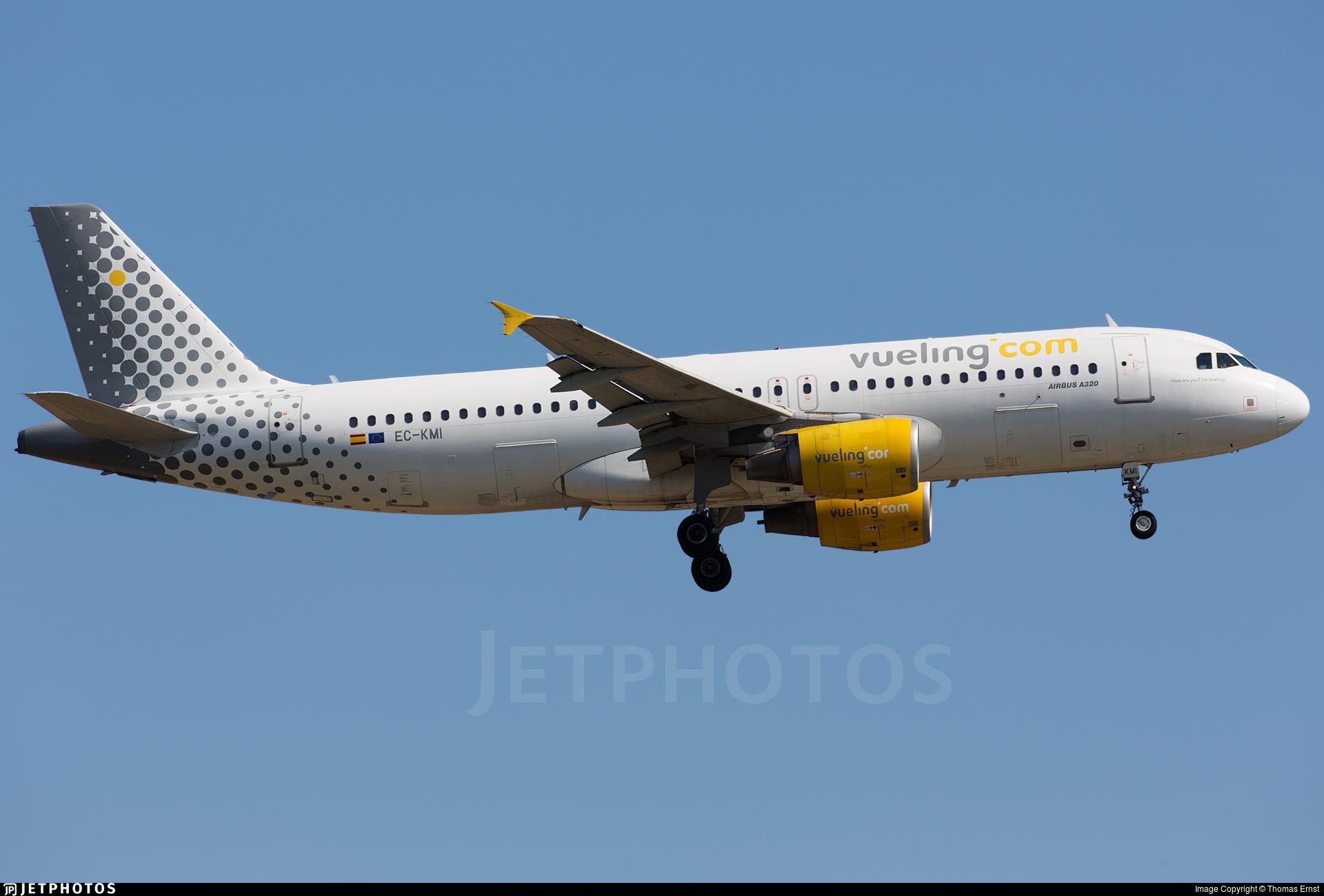 EC-KMI - Airbus A320-216 - Vueling