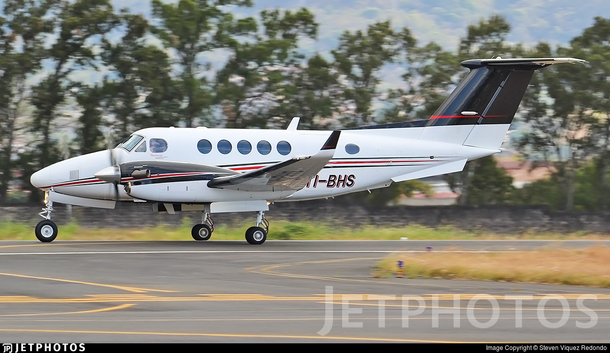 TI-BHS - Beechcraft 200GT Super King Air - Private