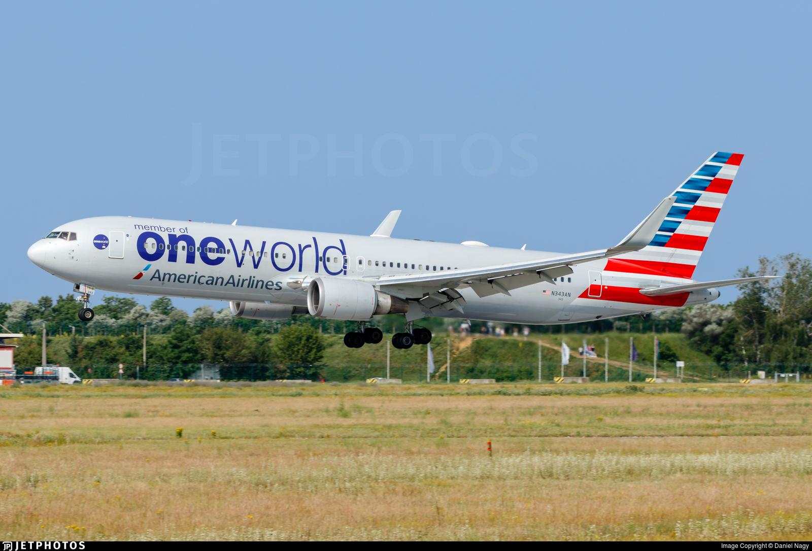 N343AN - Boeing 767-323(ER) - American Airlines