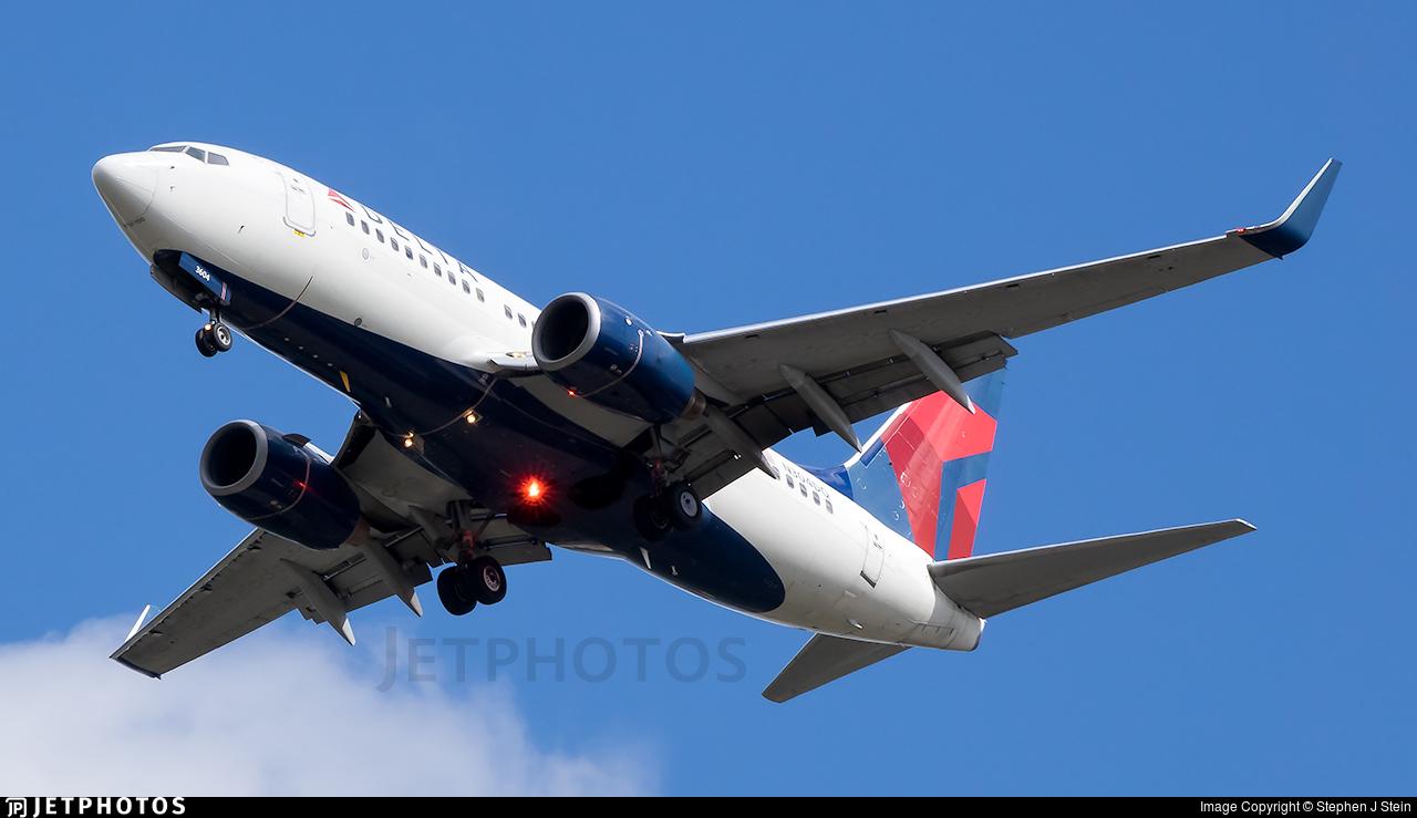N304DQ - Boeing 737-732 - Delta Air Lines