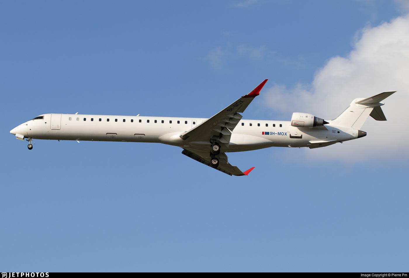 9H-MOX - Bombardier CRJ-1000 - Mel Air