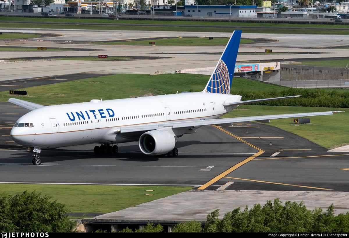N222UA - Boeing 777-222(ER) - United Airlines