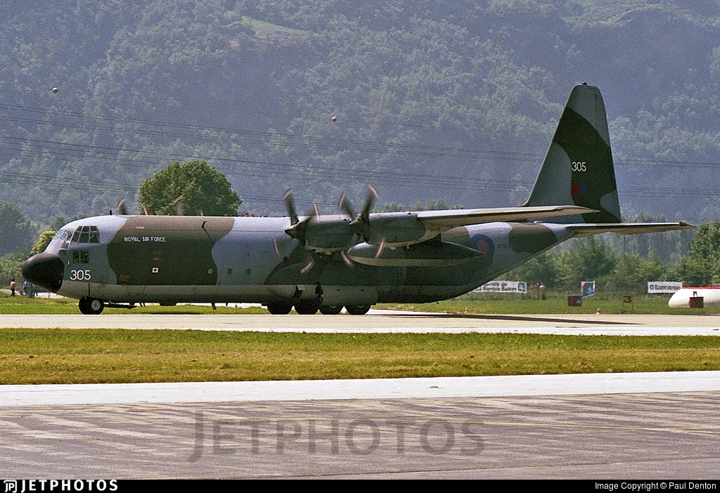 XV305 - Lockheed Hercules C.3 - United Kingdom - Royal Air Force (RAF)