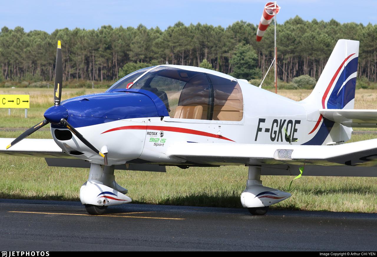 F-GKQE - Robin DR400/100 Cadet - Aéroclub de Bordeaux