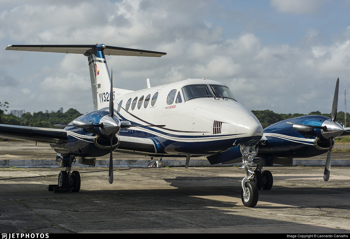 YV3296 - Beechcraft B200 Super King Air - Private